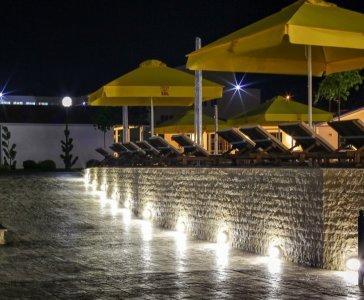 Пляжный зонт квадратный 3х3 м. с центральной стойкой. Производитель зонта компания Курортснаб.