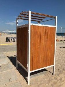 Пляжная одноместная кабинка для переодевания.