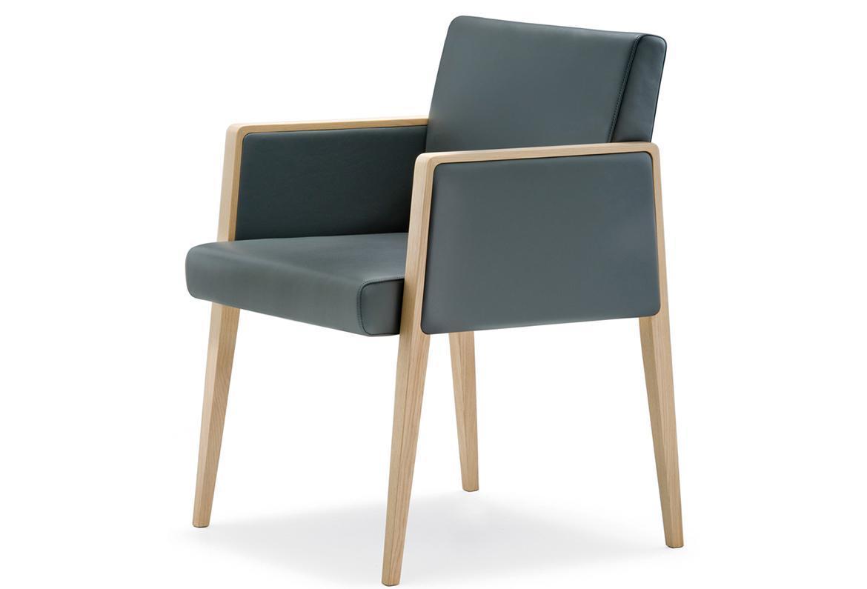 Кресло деревянное мягкое Jil
