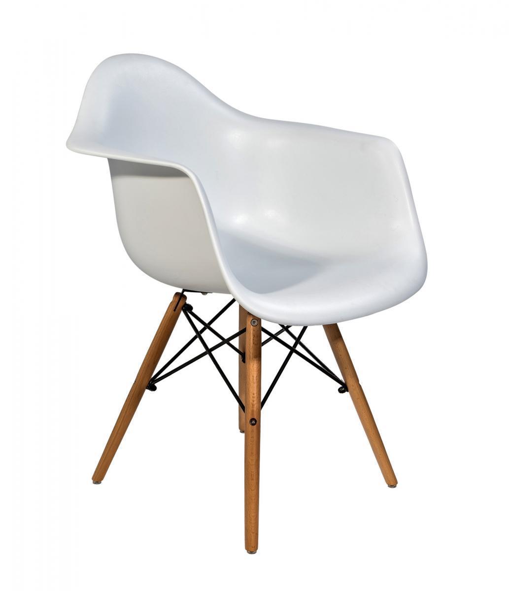 Кресло пластиковое Eames DAW