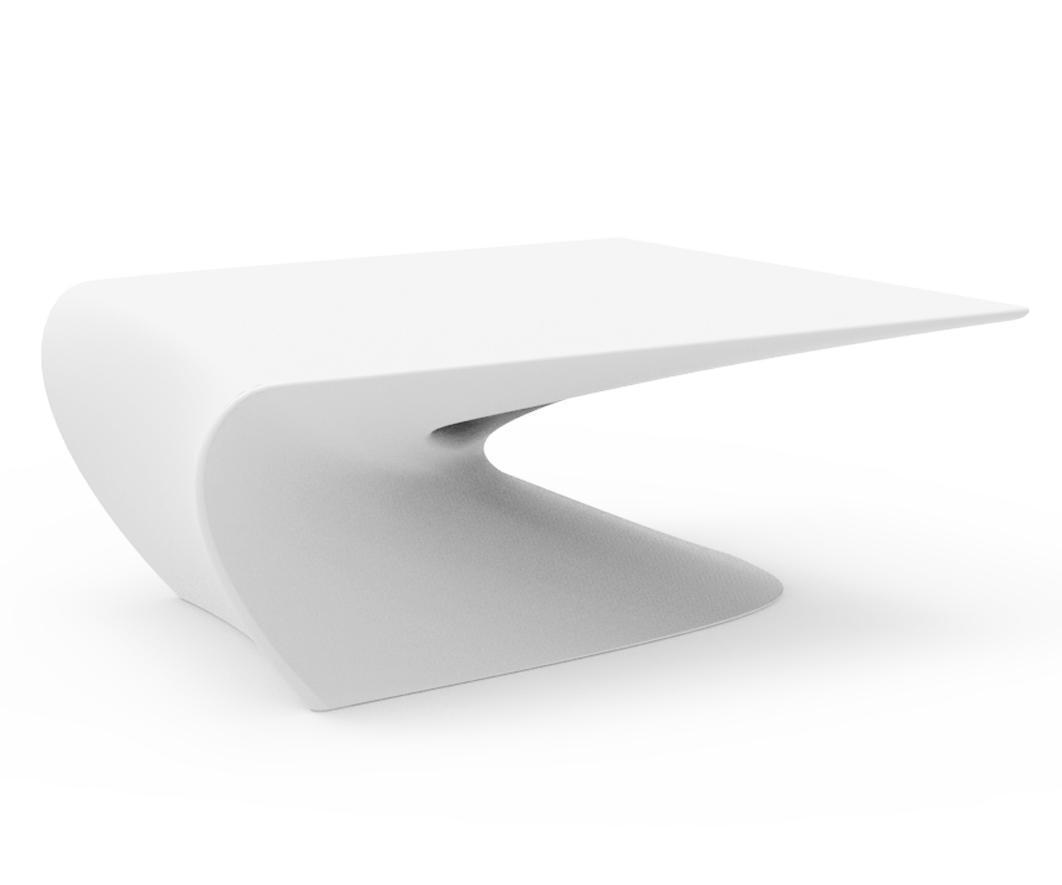Столик пластиковый кофейный Wing Coffee Table Basic