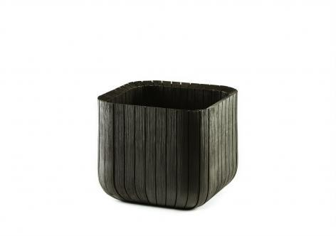 Пластиковое кашпо Cube Planter M