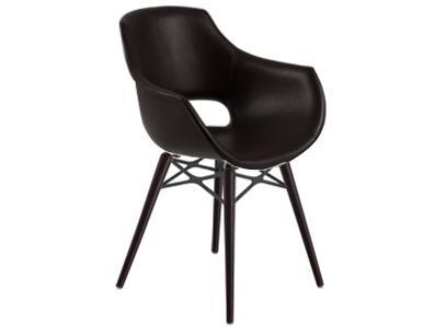 Кресло с обивкой