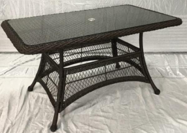 Стол плетеный со стеклом