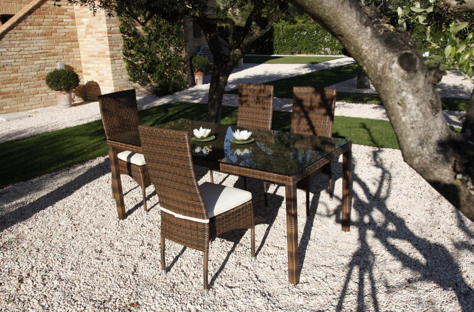 Стол плетеный со стеклом Ikaro