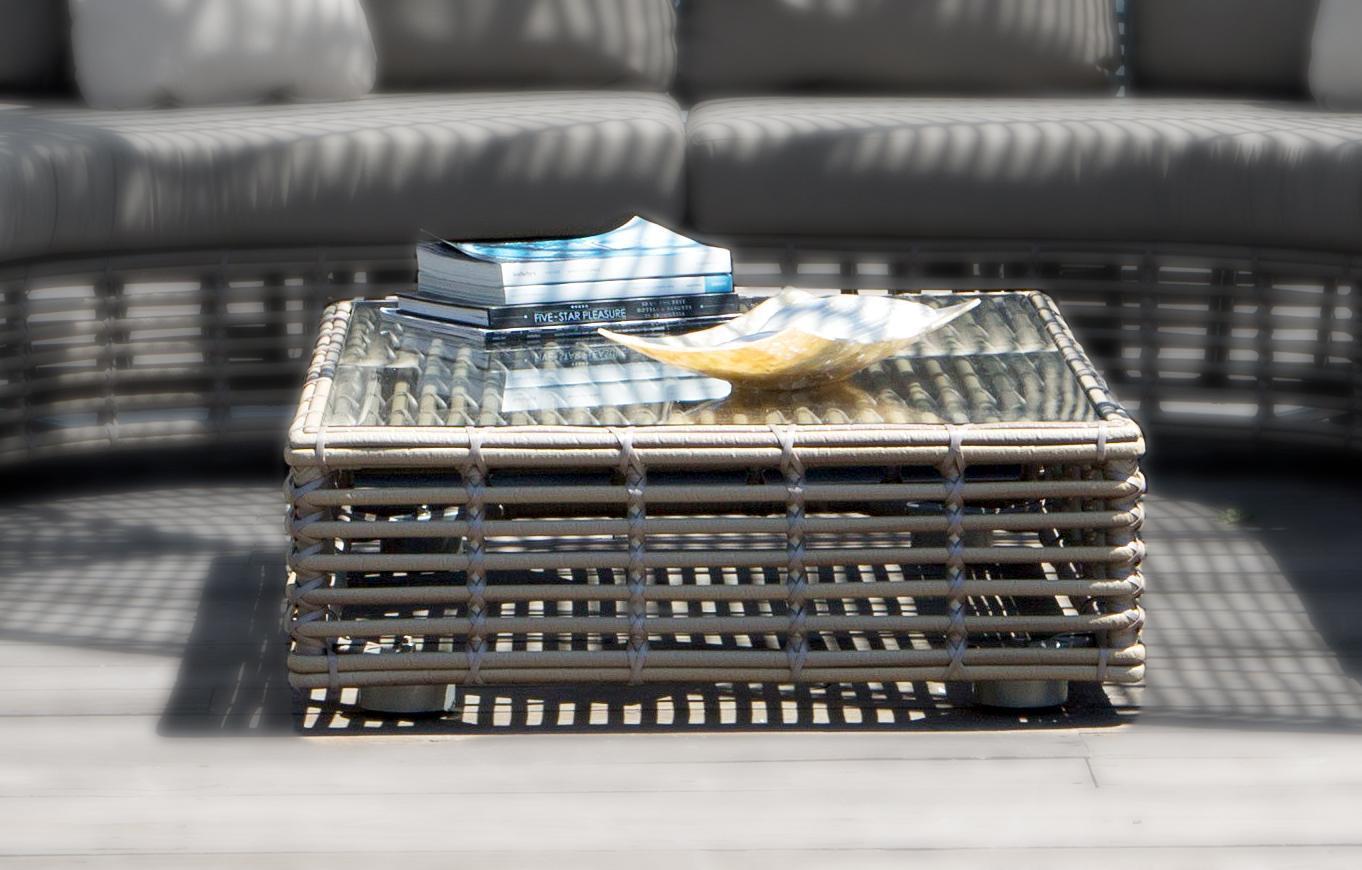 Стол плетеный со стеклом журнальный Spartan
