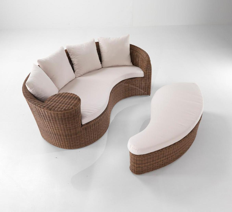 Плетеный лаунж-диван с пуфиком Isla Bonita
