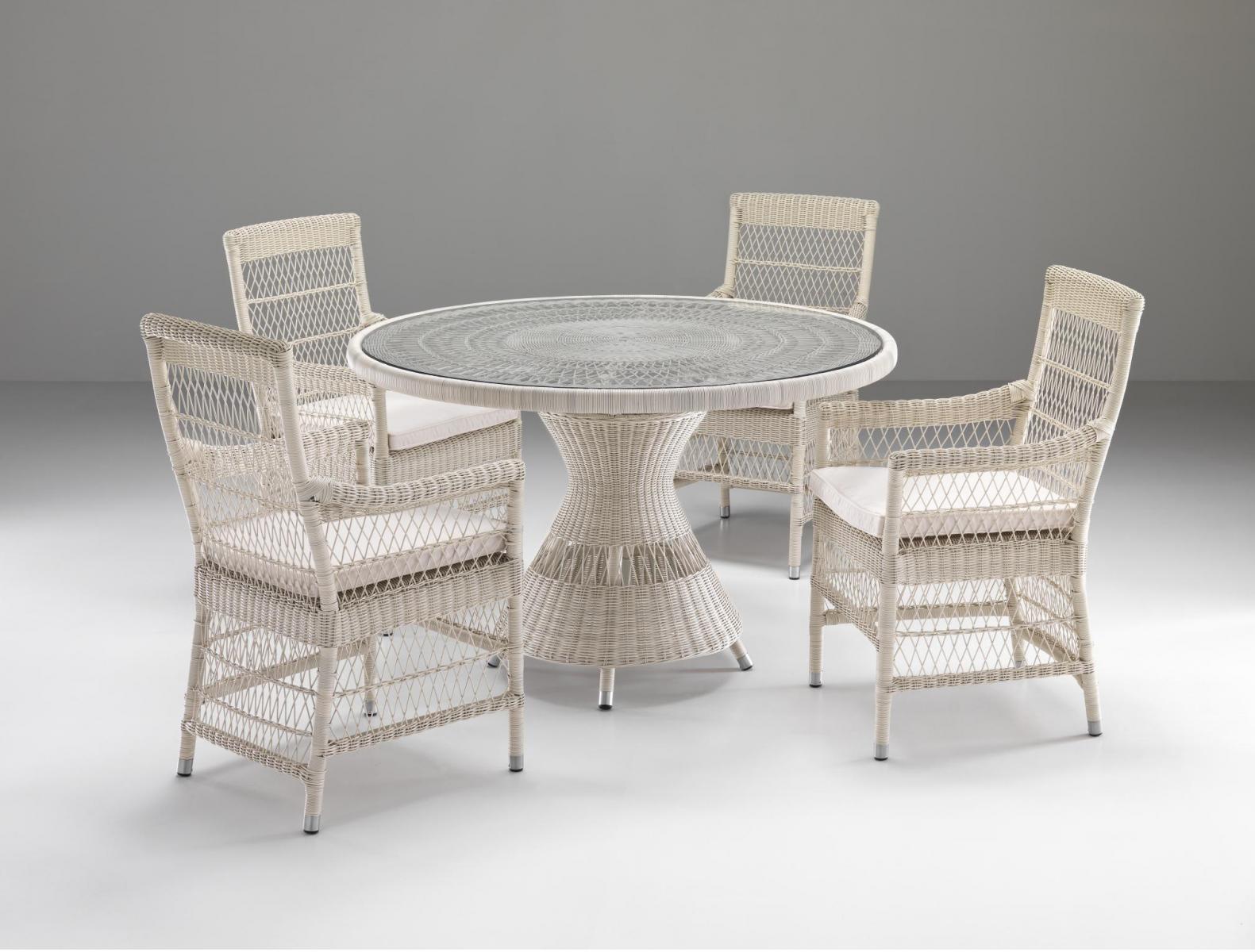 Стол плетеный со стеклом Camille
