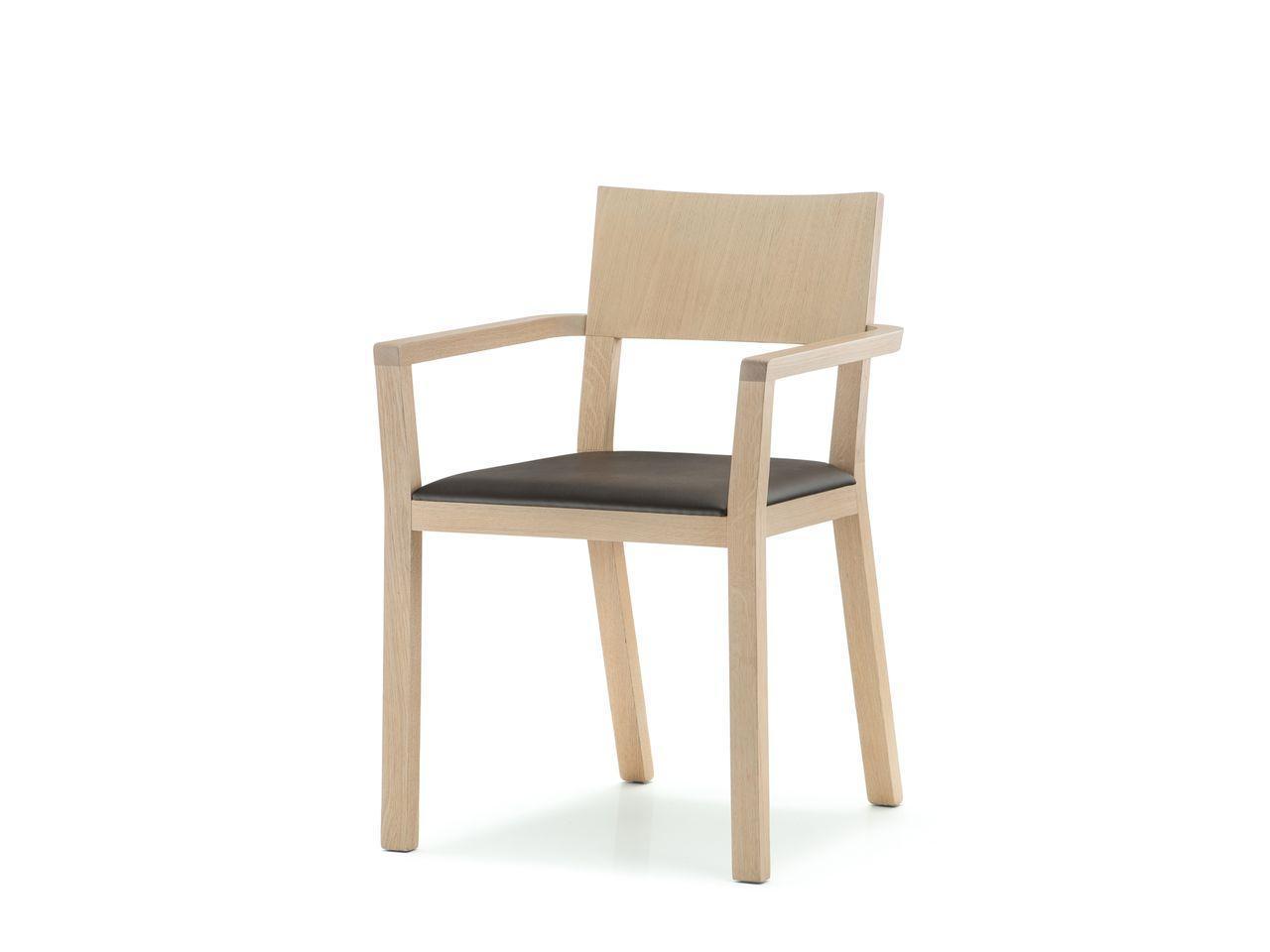 Кресло деревянное мягкое Feel