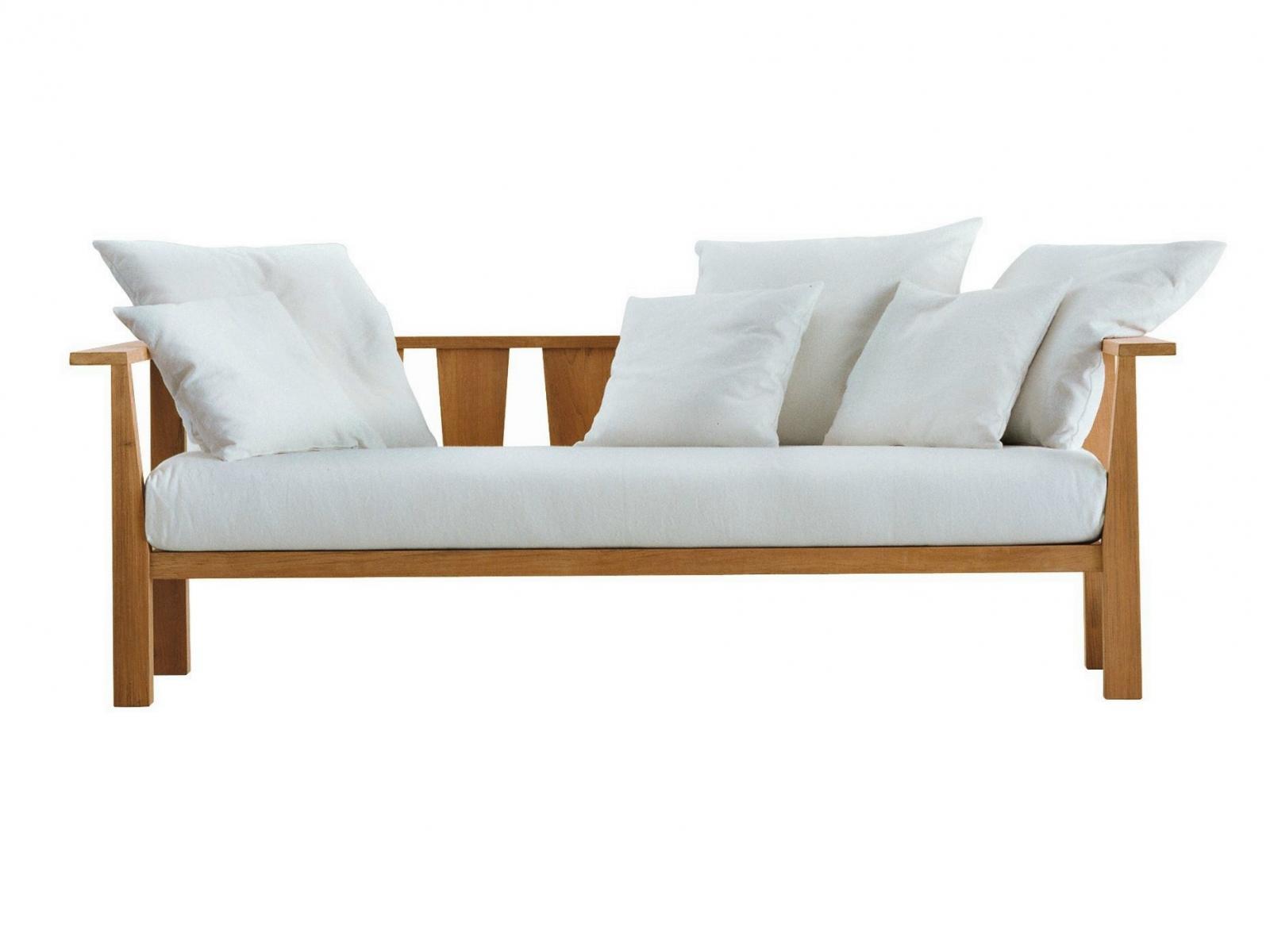 Диван с подушками InOut