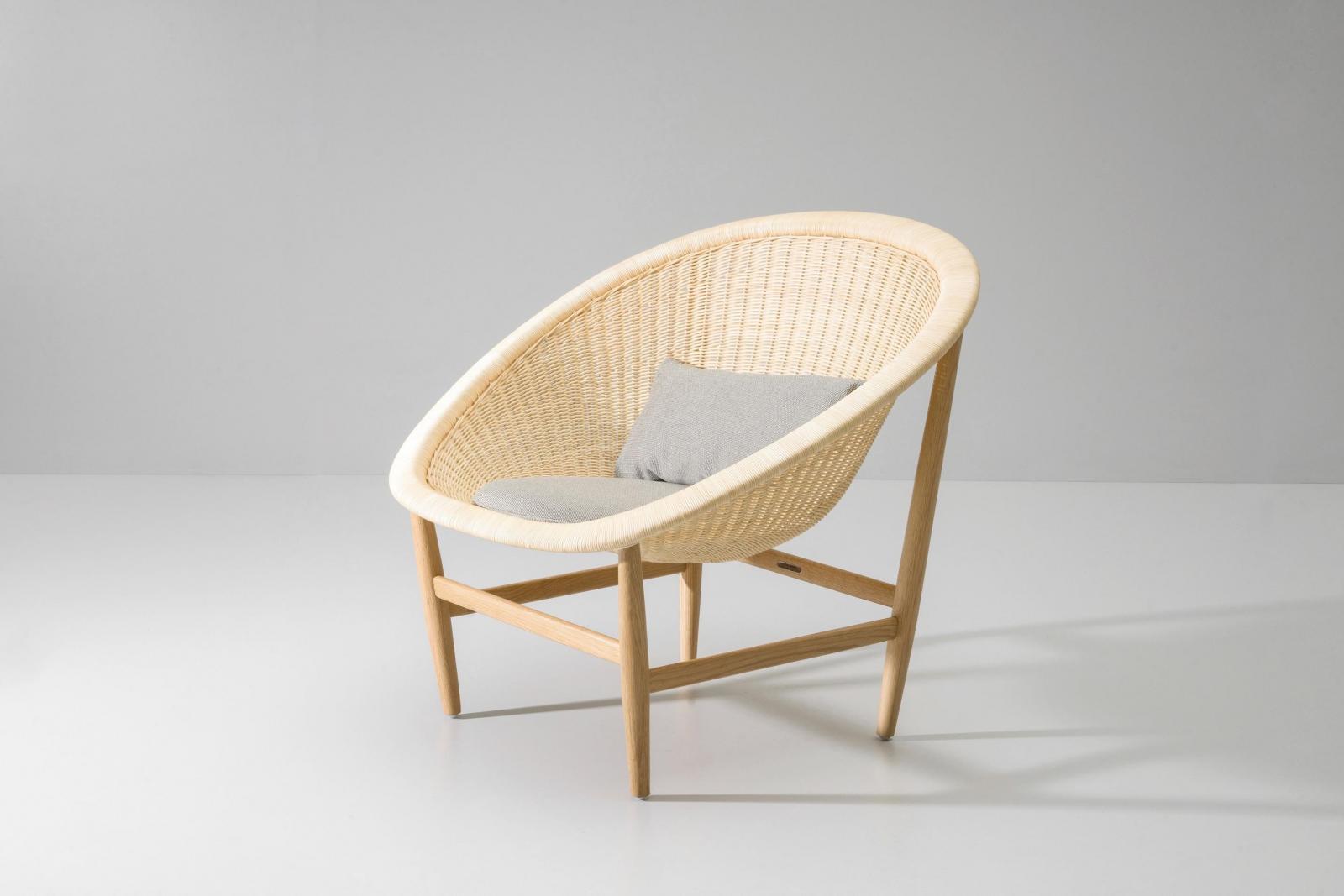 Кресло плетеное с подушкой Basket