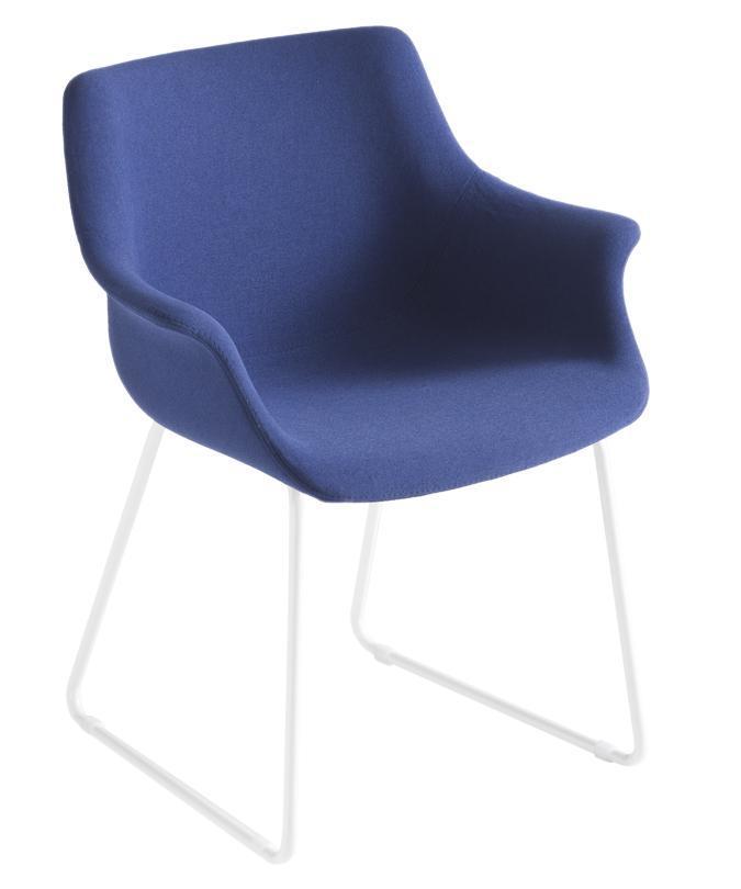 Кресло с обивкой More ST