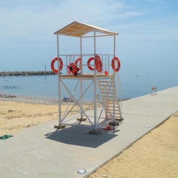 Спасательная вышка пляжная