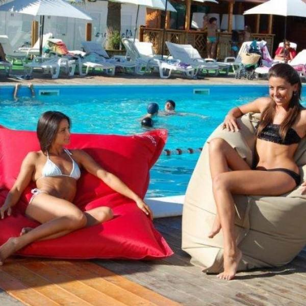 Бескаркасная мебель для пляжа