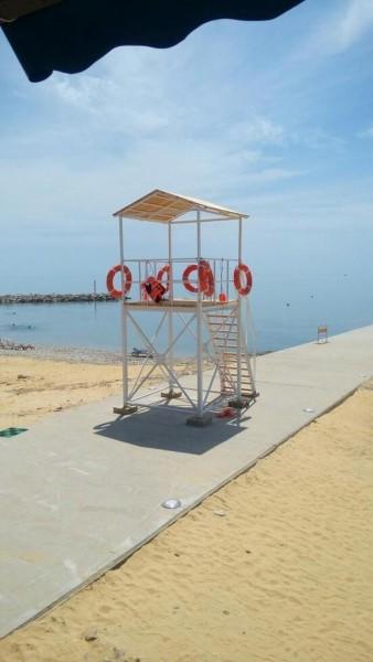 Спасательная вышка для пляжа.